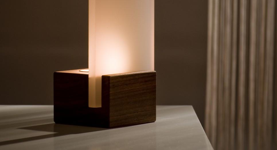 design Kerzenstaender Nussbaum matt